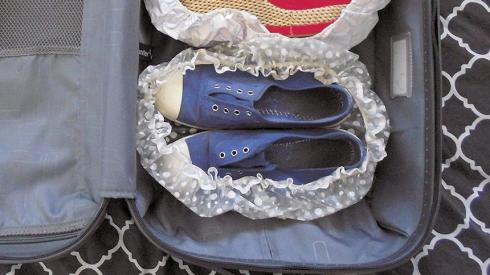 shower-cap-for-shoes-on-travel-hack-mind-kansy-us